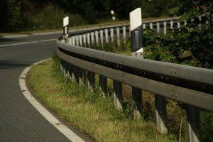 Quelle différence entre les formations moniteur auto cole pour voiture et pour moto ?